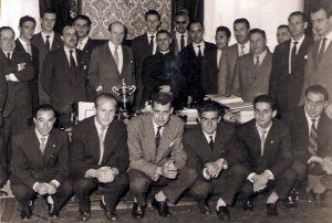 3-042-AGUILAS-Camp.-1ª-Div.Recepción-Ayto.-Bilbao-(27-Jun-1958)