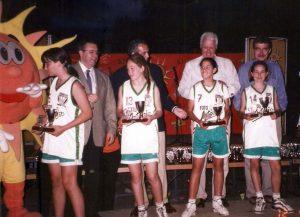 8-001-ARIANE,-SURIÑE,-MAIDER-Y-AYSKEL-de-Sestao,-Campeonas-España-Mini-3x3-Temp.-2000-01