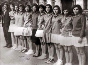 4-087-SAGRADO-CORAZÓN-Campeonas-de-la-FISEC-en-Manchester-(1964)