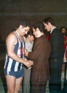 5-075-INSIGNIAS-ORO-FVB-FÉLIX-MENDIA-Y-JUAN-LÓPEZ-(Junio-1979)